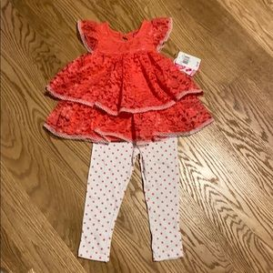 Girls lace ruffle top with leggings
